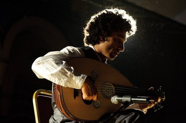 Interview with Khyam Allami: Strumming Middle Eastern