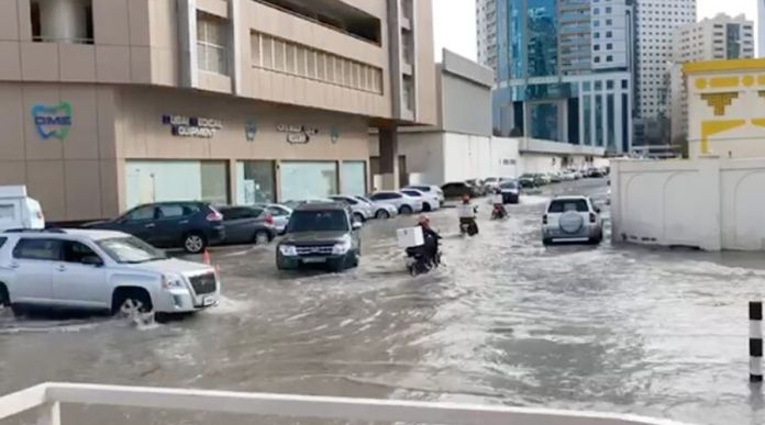 Heavy Rain Continues in UAE - Videos, Pictures and Measures