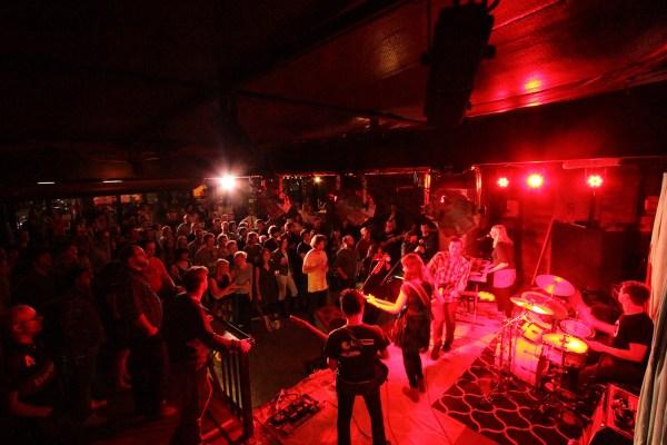 Free music bars