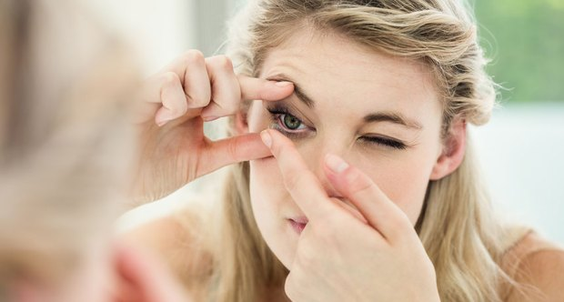 advantages of using Contact Lens to Enhance your Vision