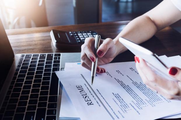 Write a Simple Resume