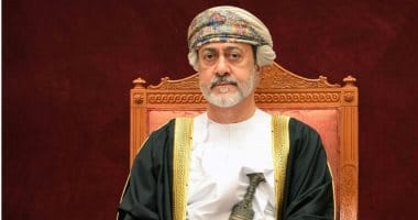 مرسوم سلطاني بتعديل علم سلطنة عمان ونشيدها الوطني