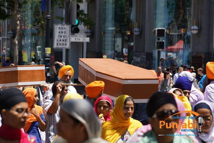 Pictures & Videos London - Thousands of Sikhs march to remember Amritsar temple attack (32)