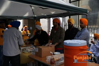 Pictures & Videos London - Thousands of Sikhs march to remember Amritsar temple attack (4)