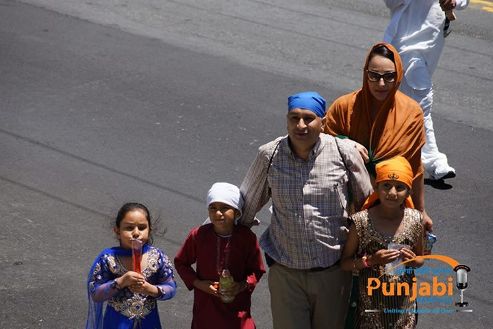 Pictures & Videos London - Thousands of Sikhs march to remember Amritsar temple attack (42)