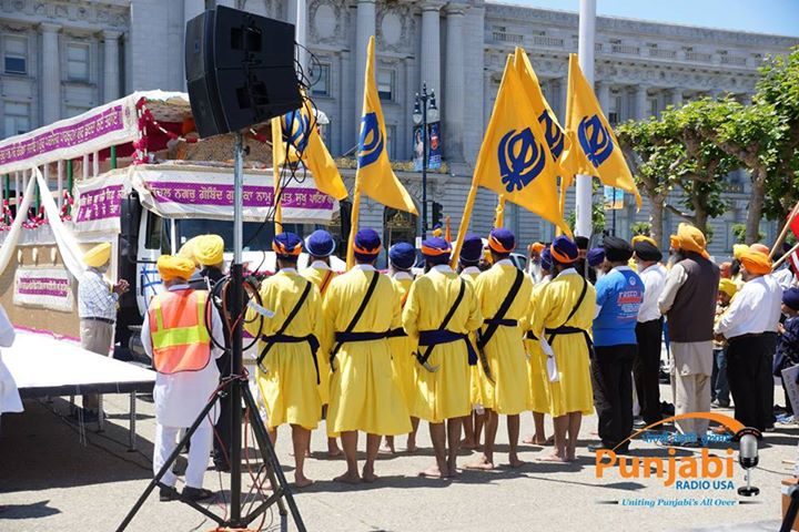 Pictures & Videos London - Thousands of Sikhs march to remember Amritsar temple attack (45)