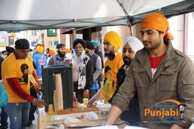 Pictures & Videos London - Thousands of Sikhs march to remember Amritsar temple attack (5)