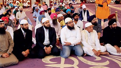 "Sikh Gurdwara in Dubai holds a huge Ramadan dinner for Muslims, to ""come together"""