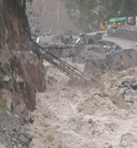 TERRIFYING PICTURES FROM SRI HEMKUND SAHIB YATRA AFTER RAINS CAUSE HAVOC 2