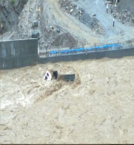 TERRIFYING PICTURES FROM SRI HEMKUND SAHIB YATRA AFTER RAINS CAUSE HAVOC 7