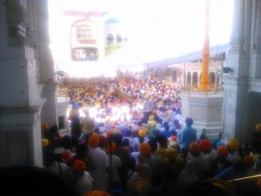 View of sangat outside #AkalTakht Sahib, remembering 1984 shaheeds.