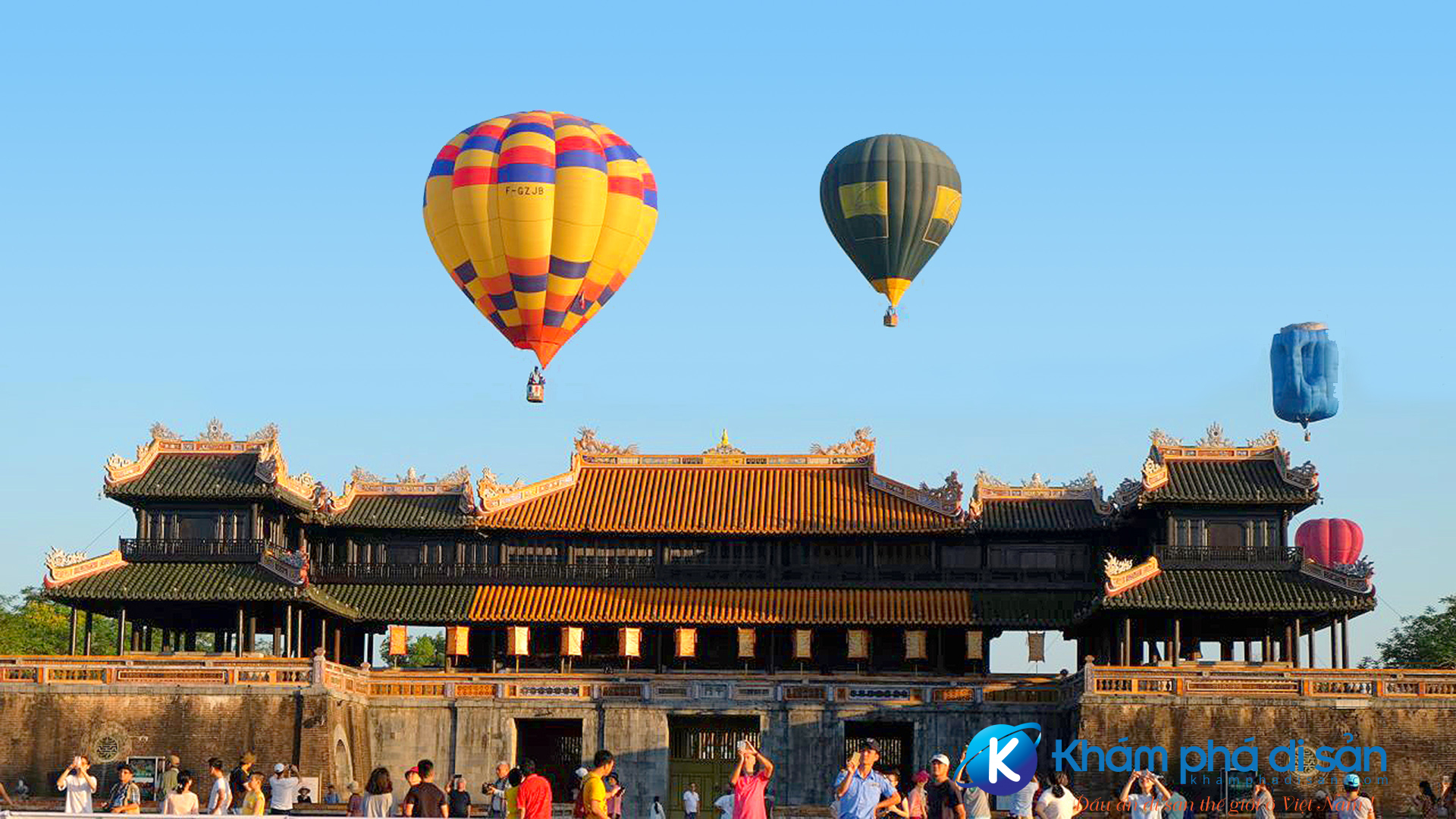 discover hue with the hot air balloon