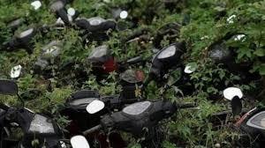 Terbuang Dimakan Ilalang, Potret Kuburan Motor Ini Bikin Bikers Gigit Jari