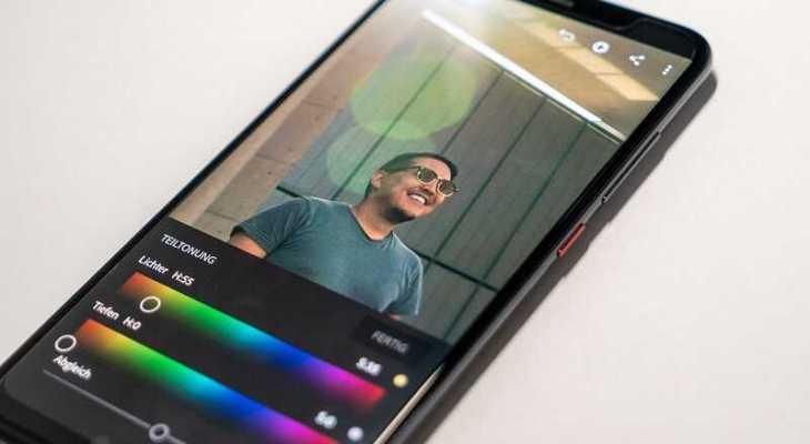 aplikasi menggabungkan foto dan video dalam satu frame