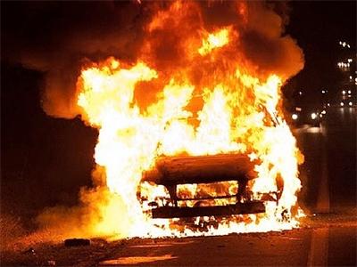 В Херсоне отвергнутый поклонник отомстил возлюбленной поджогом ее машины