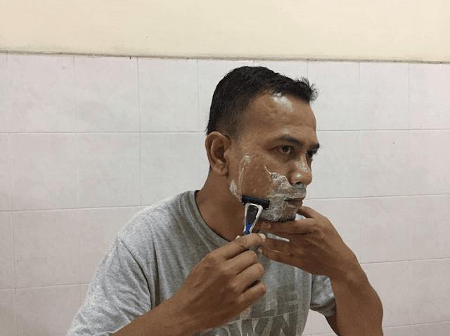 Shaves2U - Pisau Cukur Bermutu Tinggi Pilihan Gaya Hidup Kini,