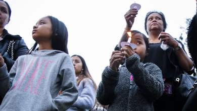 Photo of 'Gun violence has no place here;' mourners seek justice at vigil for teen killed in Cambodia Town