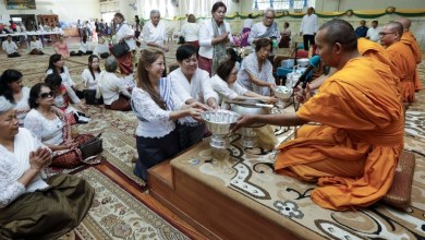 Photo of Monks' eviction from Long Beach Cambodian Buddhist temple riles congregation