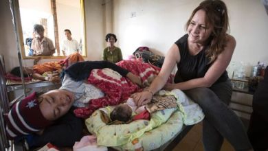 Photo of Midwife Kate Taylor is helping improve childbirth and reduce maternal mortality in Cambodia