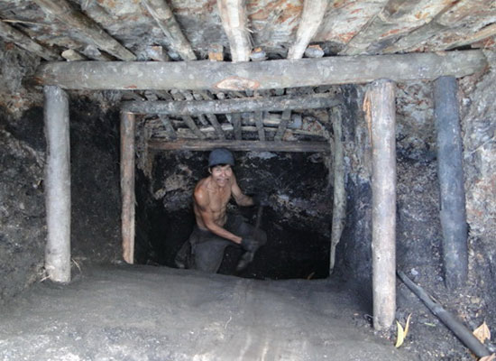 Làm sao sống sót khi mắc kẹt trong hầm sập?