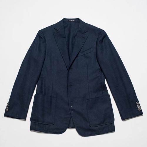 Mẹo gấp quần áo complet cất vali không bị nhăn
