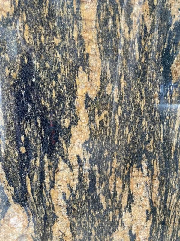 Đá Granite Titanium Gold