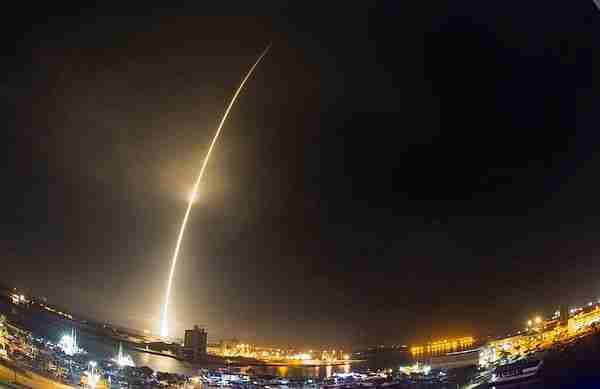 SpaceX'in Falcon 9 roketi böyle fırlatıldı.