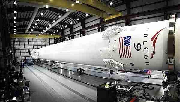 Falcon 9 depoda.
