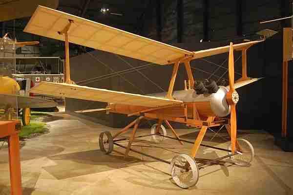 Dünyanın ilk dronu aslında bir hava torpiliydi ve modern Tomahawk ile cruise füzesinin öncüsüydü.