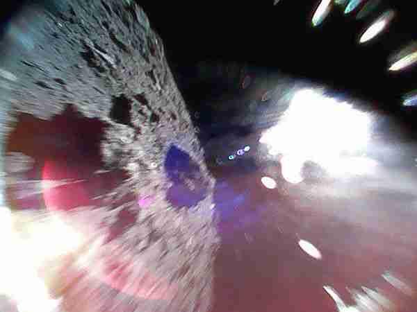 Japon-aracı-Hayabusa-2-asteroite-robot-indirdi