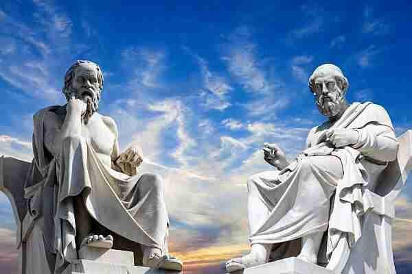 Varlık-felsefesi-sandalyeler-gerçekten-var-mı