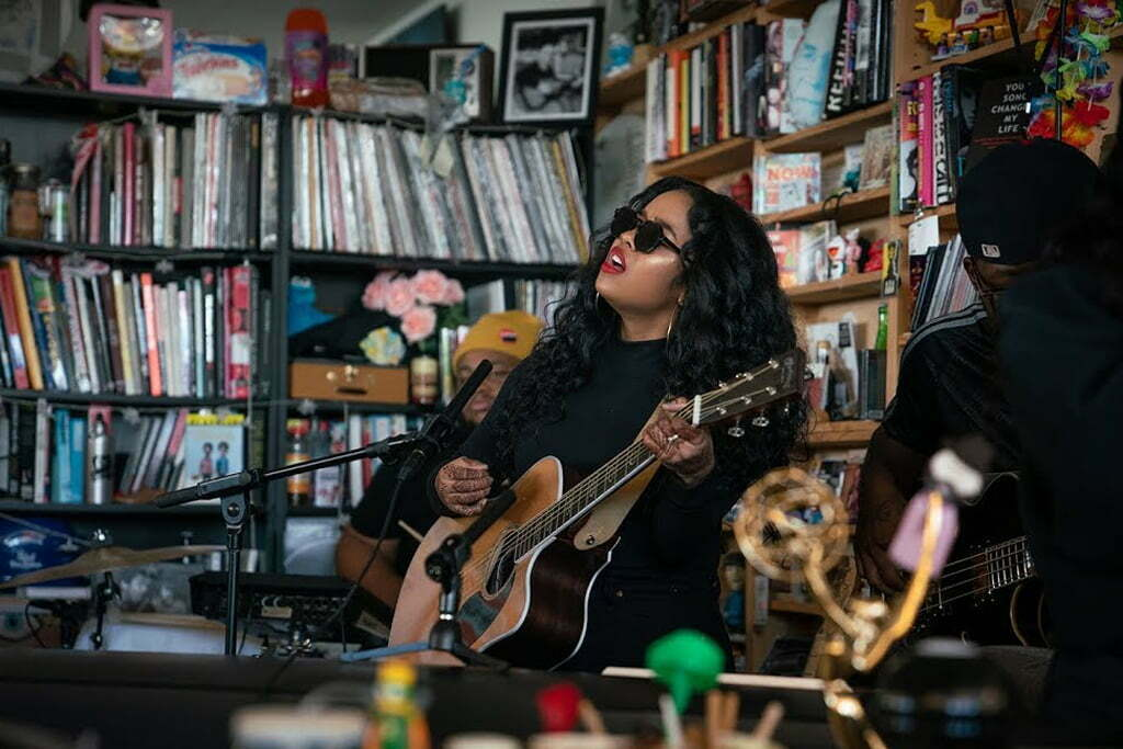 WATCH: H.E.R. ON NPR's 'TINY DESK' CONCERT