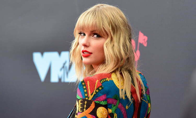 TAYLOR SWIFT TO PERFORM AT THE WORLD'S BIGGEST SHOPPING FIESTA