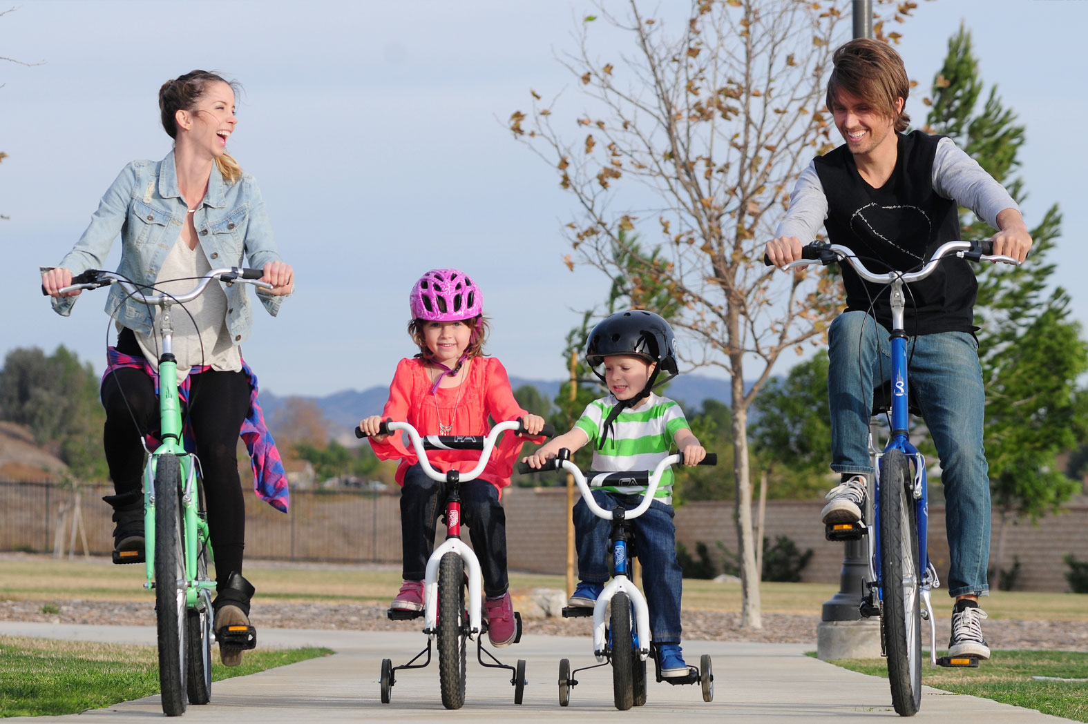 A family enjoying their day on KHS and Free Agent Bikes