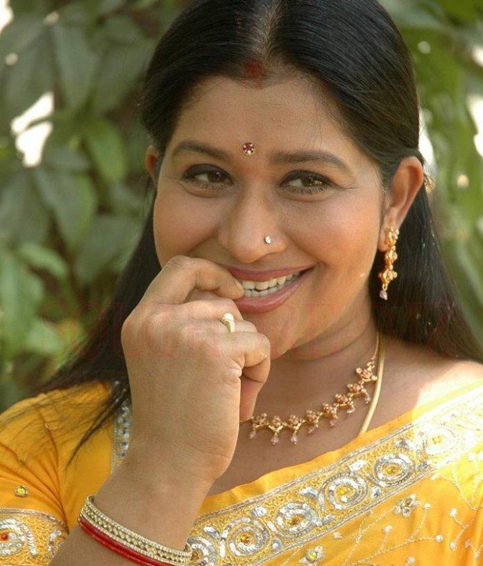 actress-kavitha-aunty-21_720_southdreamz