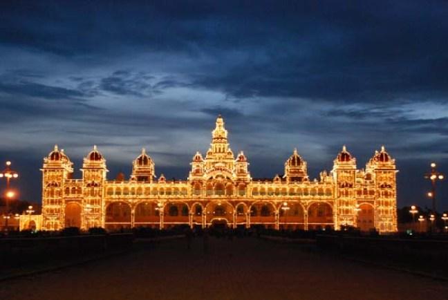 illuminated_Mysore_Palace.jpg (1)