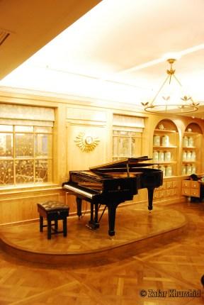How Grand! - Beautiful hallway, Beautiful Steinway