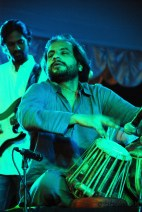 The masterful Ishtiaq on the Tabla:Dholak