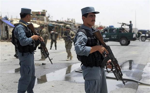 کندهار ولايت کښې په چيک پوسټونو طالبانو حملو کښې 17 اهلکار شهيدان شوي