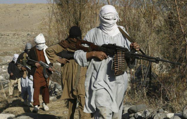 دافغانستان غزني ولايت کښي په خواجه عمري اولسوالۍ طالبانو قبضه کړي