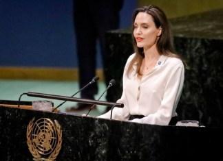 انجلينا جولي مطالبه کړې چې افغان امن عمل کښې دې زنانو ته کردار ورکړے شي