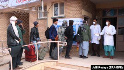 افغانستان کښې د کرونا نه د متاثره کسانو شميره لسو ته رسيدلي ده