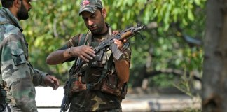 Indian troops in martyr five youths in Kashmir