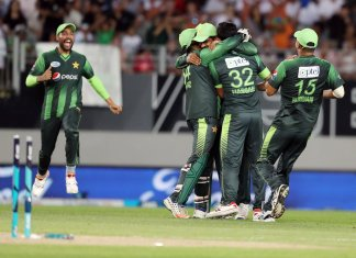Pakistan thrashes New Zealand in second T20 to level series