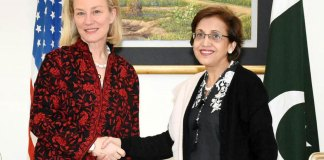 Pakistan, US express firm resolve to act against all terror groups