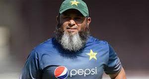 Sri Lanka likely to hire Mushtaq Ahmed after Murali's retirement