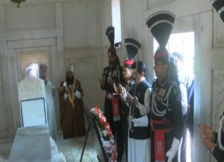 Chairman Senate Sadiq Sanjrani visits Iqbal's tomb
