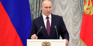 Putin warns trade war risks global economic crisis