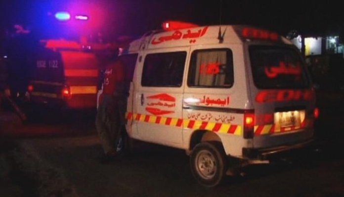 Rickshaw, dumper collision leaves eight dead in Sargodha