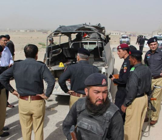 Three policemen among six injured in blast in Naseerabad
